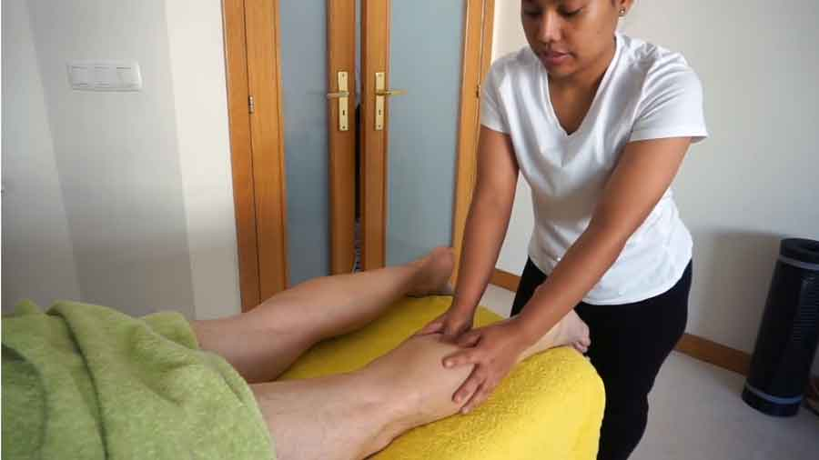 authentic thai hamstrings and legs massage