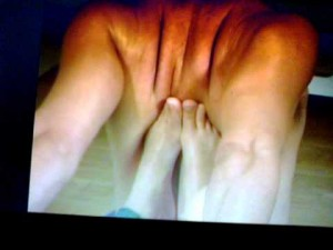 Deep tissue massage using yoga and feet with happy ending in London