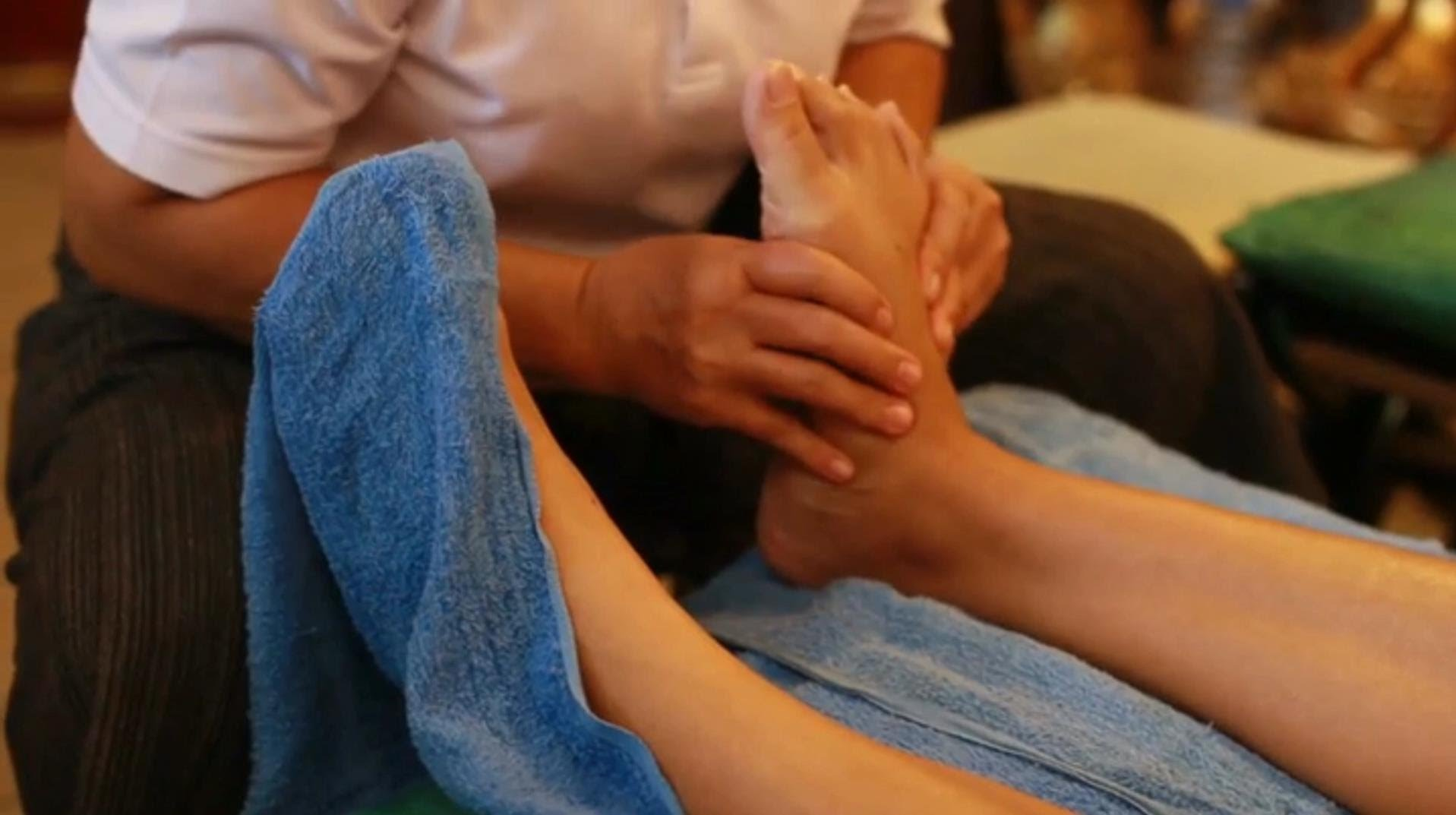 Strong Pressure Foot Massage Therapy, How to Massage Feet Techniques Part 2