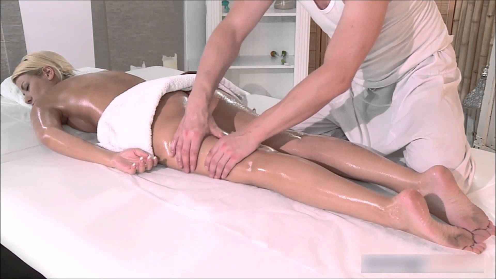 Sexy Sensual Massage, With Amazing Attention to Feet