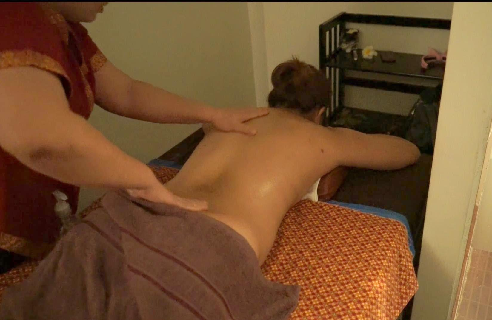 Thai Body Massage Bangkok – Back II ✔ in Thailand