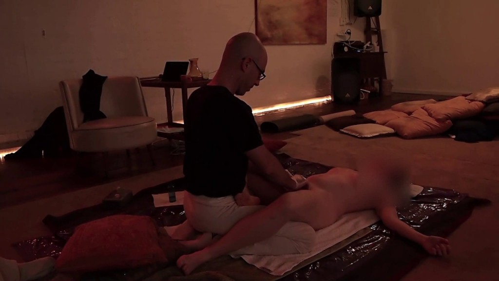 Yoni massage for women by man