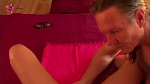 Yoni massage with squirting