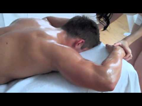 What happens during a 4 hands massage in London?